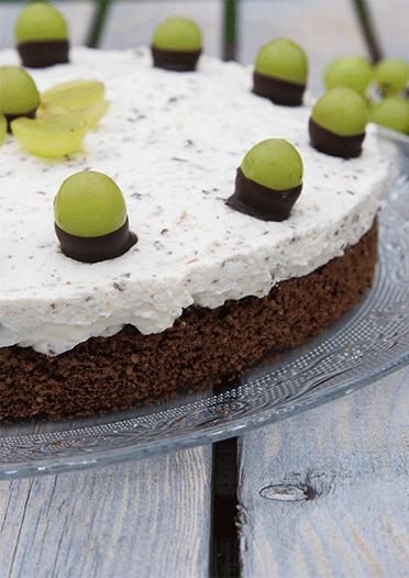 Fruchtig, cremig, schokoladig, nussig - die Torte hat eine Mange zu bieten
