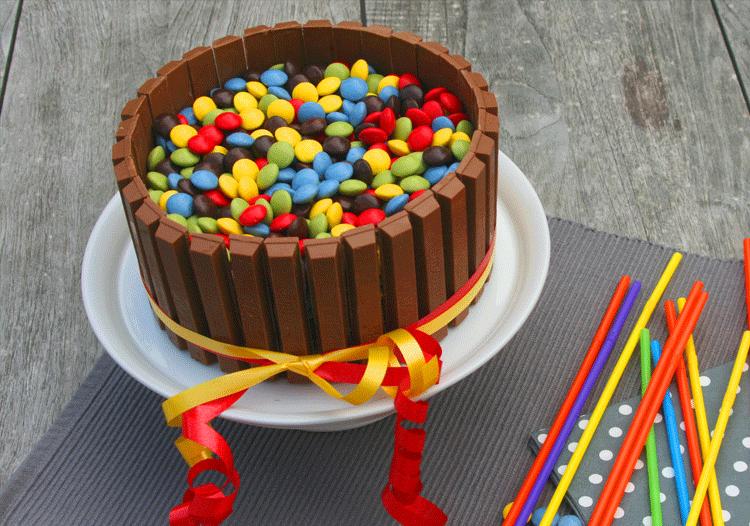 Bunte Schoko Mascarpone Kitkat Torte Kuchenmomente