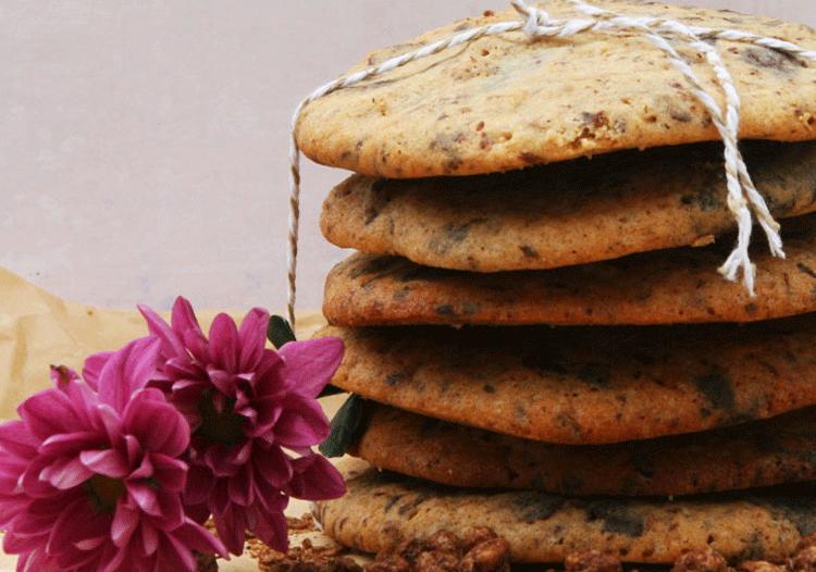 Cookies gestappelt mit choclatechips