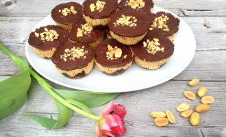 Muffin dekoriert aus Schokolade und Cheese