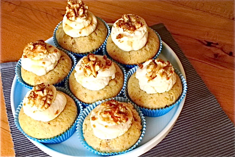 Wallnus Cupcake angeordnet