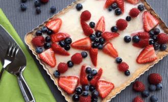 Tarte mit Crema Pasticcera und Früchten