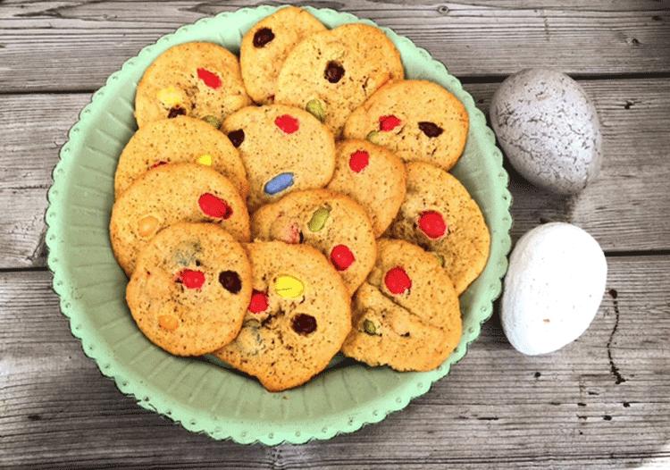 Bunte M&M in Cookies