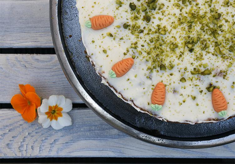 Leckerer Karottenkuchen mit Frischkäse