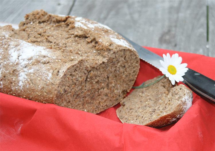 Sechskorn-Brot im Anschnitt