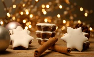 Zimtsterne mit Schokolade und Mandeln
