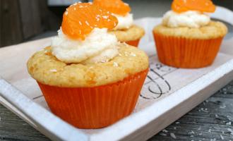 Muffins mit Mandarinen und Kokos