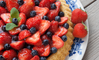 Wie bei Mutti - Obstboden mit Erdbeeren