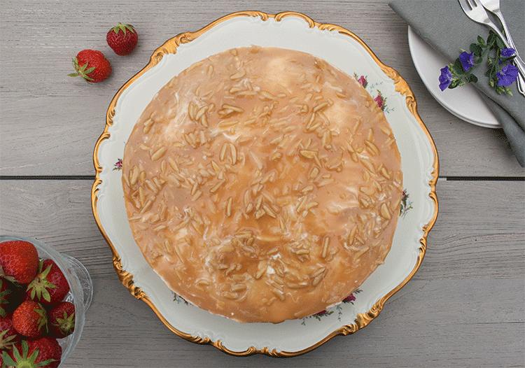 Erdbeer-Quark-Karamell-Torte nobake