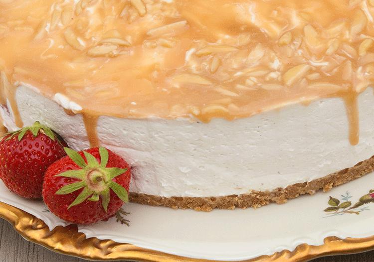 Sommergenuss ohne Backen - Erdbeer-Quark-Torte mit Karamell