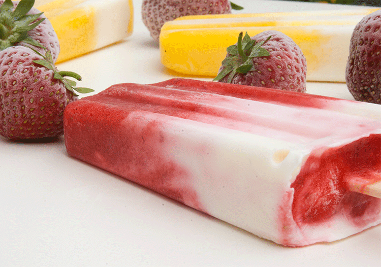 Frucht-Joghurt-Eis am Stiel