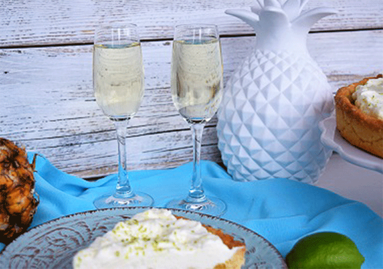 Sommerbuffet mit Ananaskuchen