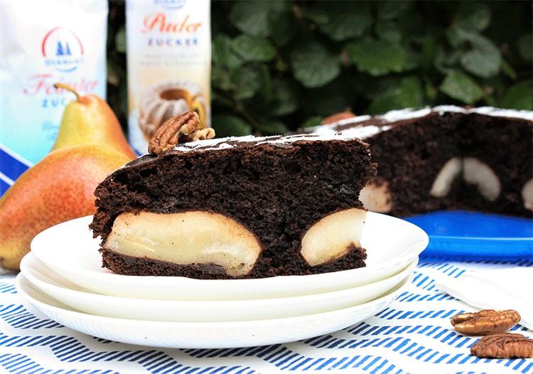 Schokoladiger Kuchen mit Birnen