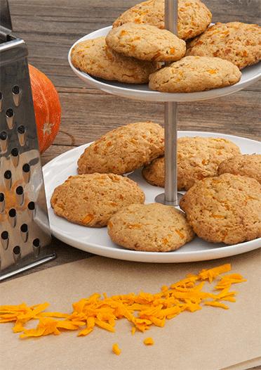 Cookies in der Herbst-Editon mit geraspeltem Kürbis, Haselnüssen und vielen Gewürzen