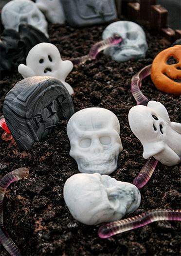 Für die Halloweenparty - schauriger Schokoladen-Friedhof