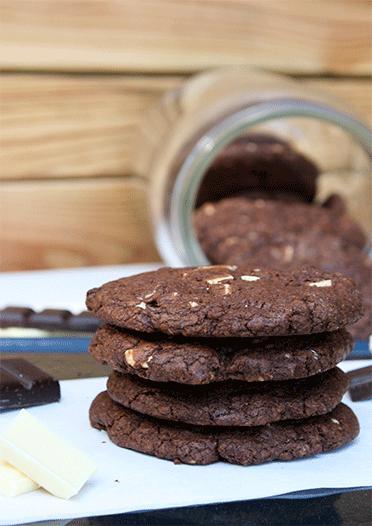 Schokoladen-Cookies mit Schokostücken