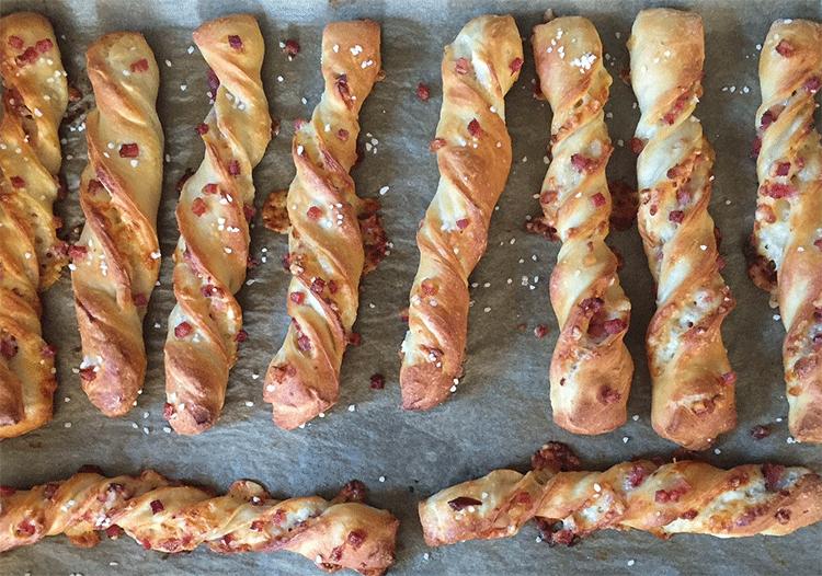 Käsestangen direkt aus dem Ofen