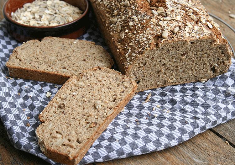 5-Minuten-Brot mit vielen gesunden Zutaten