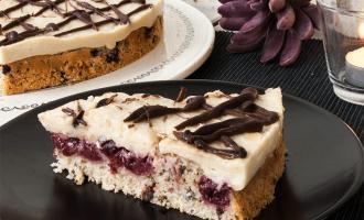 Kirschkuchen mit Marzipan-Vanille-Puddingcreme