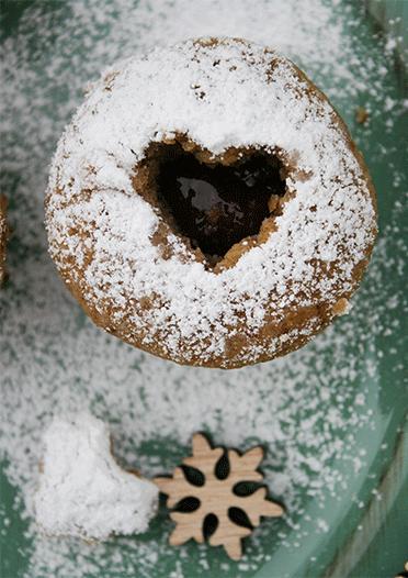 Muffins mit gemahlenen Nüssen und Rum