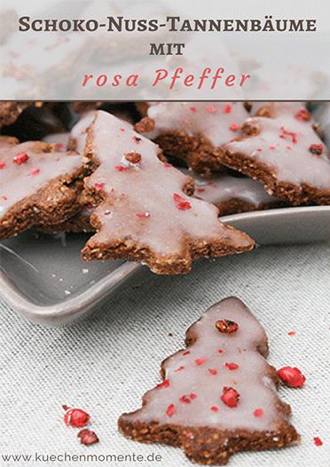 Schokoladen-Nuss-Tannenbäume mit rosa Pfeffer