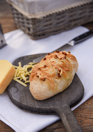 Käse-Brötchen im Salz-Hefe-Verfahren
