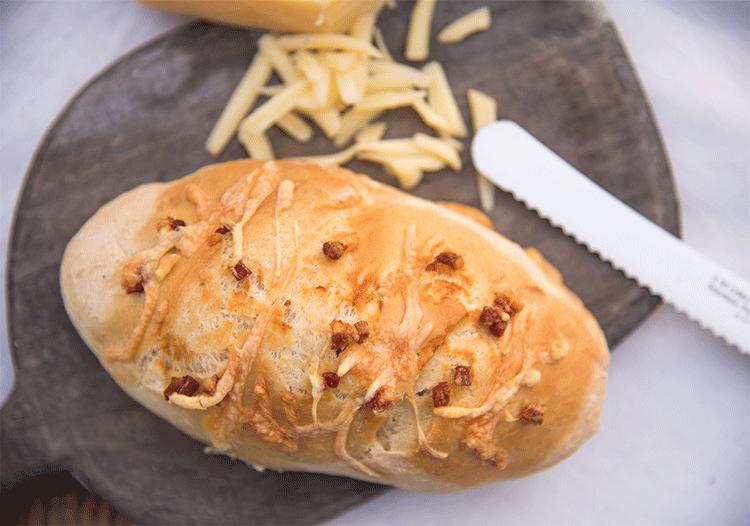 Baguette-Brötchen mit Käse