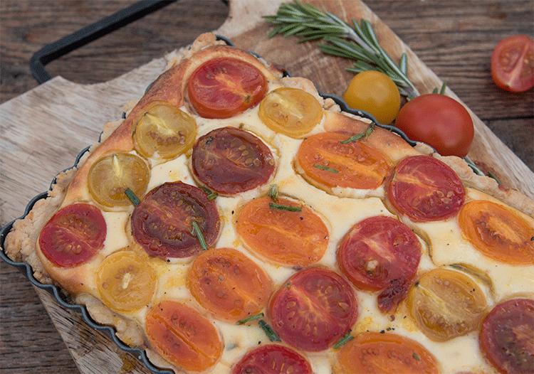 Tomaten Ricotta Tarte mit Honig-Vinaigrette