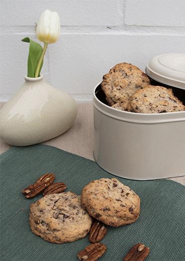 Leckere Cookies mit Nuss und Schokolade
