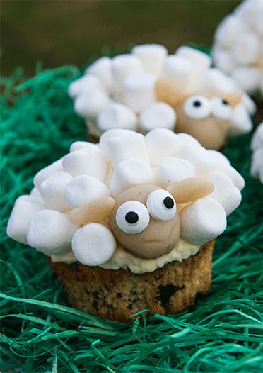 Beschwipste Osterlamm-Cupcakes