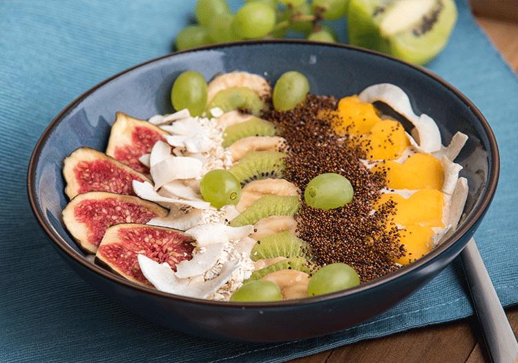 Gesundes Frühstück - Exotic Smoothie Bowl mit Canihua