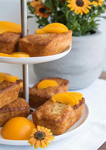 Mini Kastenkuchen mit Rhabarber und Pfirsich