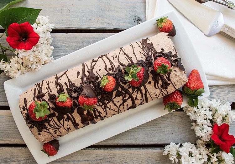 Schokoladen Erdbeer Rolle
