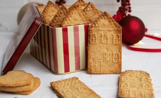Spekulatius mit Marzipan und weihnachtlichen Gewürzen