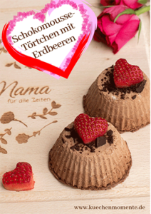 Schokomousse-Törtchen mit Erdbeeren