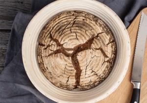 Roggenbrot ohne Hefe im Gärkörbchen