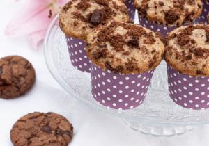 Muffins mit Cookies aus Schokolade