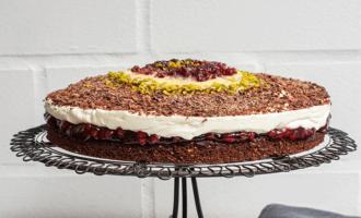 Seitenansicht Nuss-Schoko-Torte ohne Mehl